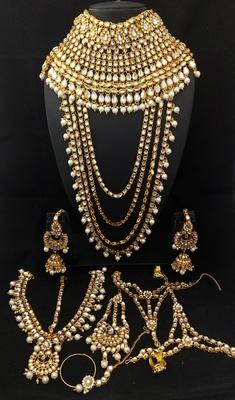 Designer Ethnic Indian Bollywood White Kundan CZ Pearl 9pc Full Bridal Jewelry Set