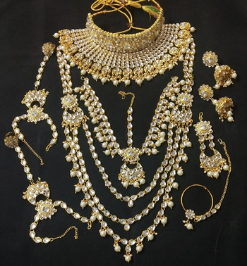Ethnic Indian Bollywood Collar Choker White Kundan Pearl Latest Full Bridal Jewelry Set