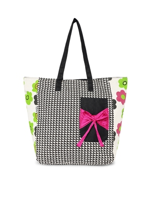 balck and white canvas bag