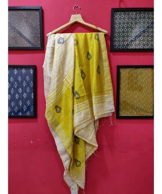 Yellow/ White Bengal Matka Jamdaani with zari saree with blouse