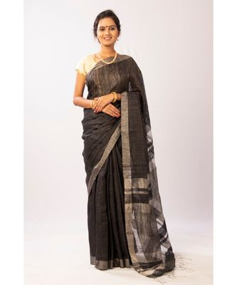 Gold Bengal Matka Zari Handloom saree with blouse