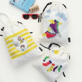 KIDS ACCESSORY BAGS {sunshine on clouds}