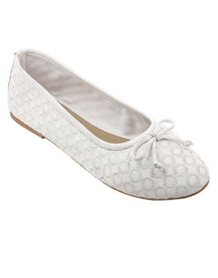 Trends & Trades hand stitched preforated Party Ballerinas Shoes