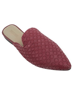 Trends & Trades Mules Shoes with Stitched on Synthetic in Red