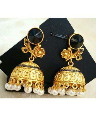 Gorgeous antique black crystal earrings