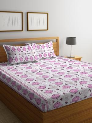 pink geometric Double bedsheet