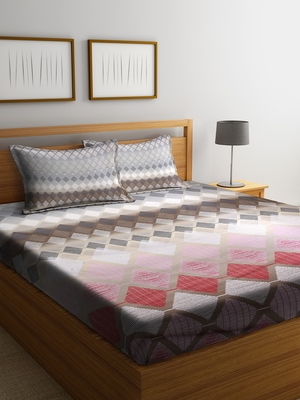 multicolor geometric Queen bedsheet