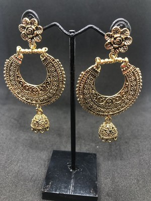 Gold crystal earrings