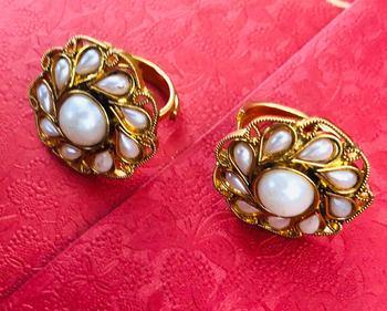 White toe-rings