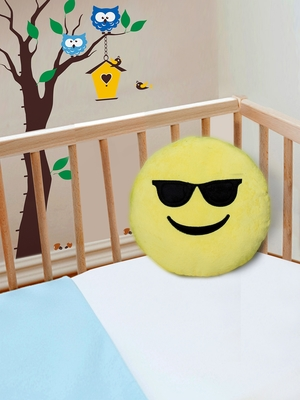 "Smiley Emoji Soft Polyester Pillow - 15.7""x15.7"", Yellow-012"