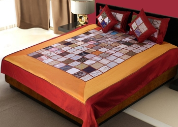 multicolour Silk Checkered Double Bedding Set (king size)