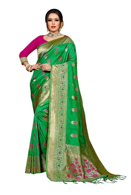 Green Woven Pure Kanjivaram Silk Saree With Blouse