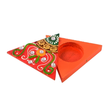 Triangle Shape Orange Papier-Mache Wooden Chopra