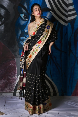 BLACK SOFT SILK WITH EMBROIDERED BUTA WITH PRINTED BORDER AND PALLU