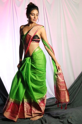 GREEN BLENDED SILK SAREE WITH ZARI BORDER AND MAGENTA PALLU