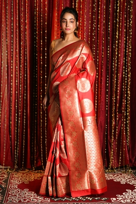 RED BLENDED SILK SAREE WITH ZARI BORDER AND PALLU