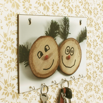 Smilie Theme Wooden Key Holder with 6 Hooks