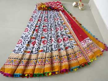 Multicoloured Printed Cotton Indigo Hand Block Flower Printed Saree WIth Colourful Pompom Border Along With Blouse