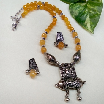 Yellow agate necklaces