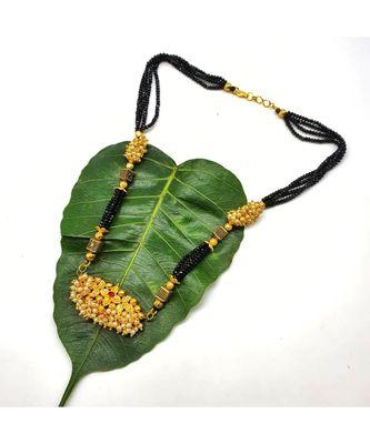 Mangalsutra Antique Golden Pendant White Bead Black 4 Line Layer Short Mangalsutra Thushi Kolhapuri Necklace