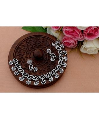 Eye Catching Designer Flower Design American Diamond Necklace with Matching Ear Rings