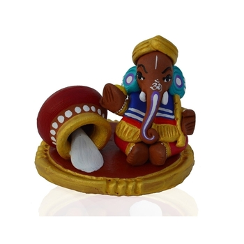 Teracotta Lord Ganesha with Makhan