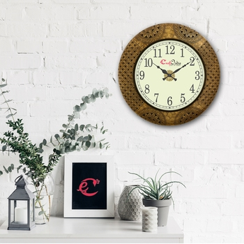 Wooden Analog Round Metal Carving Wall Clock ( Golden   size: 18*18 inch )