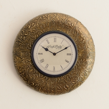 Exquisite Golden Floral Design Wooden Handcrafted Wall Clock