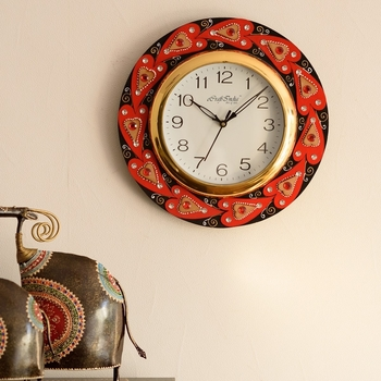 Creative Crystal studded Red Hearts Wooden Handcrafted Wall Clock
