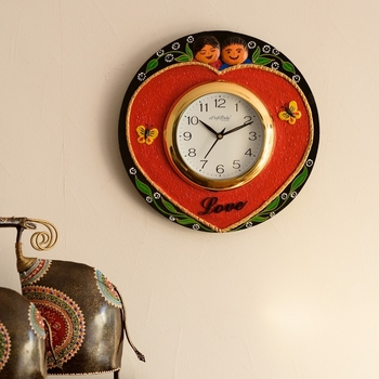 Cute Couple Love Theme Papier-Mache Wooden Handcrafted Wall Clock