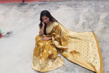 Yellow Color Banglori raw silk weaving saree