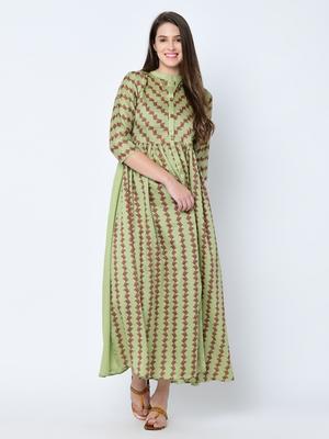 Women's Green Digital Print Flared Art Silk Kurta Pant Set