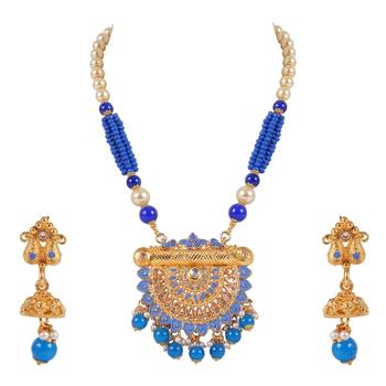 Gold crystal pendants