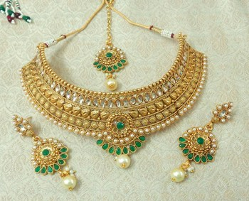 Lalso Designer Kundan Stone Green Gold Plated Bridal Choker Necklace Earring Maangtikka Jewelry Set-LCN31_GR