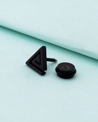 Royal Stud Arrow Earring