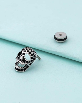 Royal Stud Skull Motif Earring
