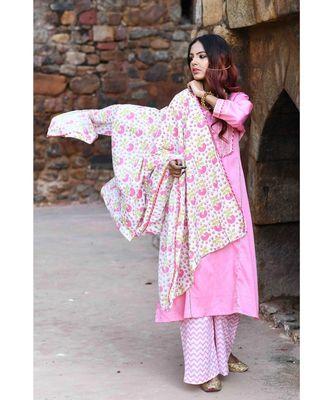 pink block print cotton kurta sets