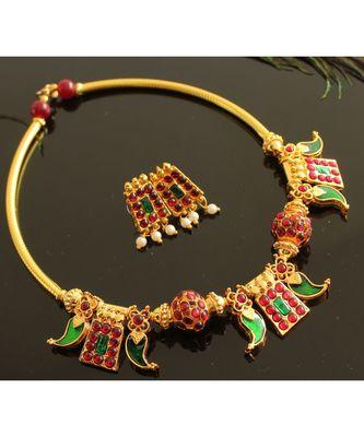 Beautiful Gold Tone Poothali Mango Necklace Set