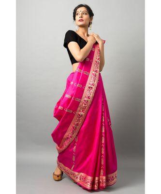 The beautiful Baluchari weave looks absolutely stunning in this dark pink avatar
