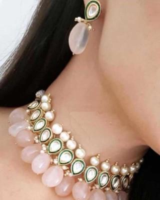 Pink Gold Tone Rose Quartz And Kundan Necklace Set