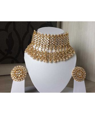 White Kundan With Shell Pearls And Precious Stone Choker Set