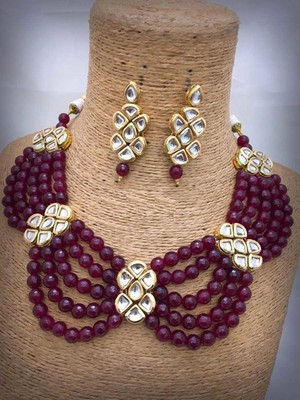 Red Gold Tone Kundan And Onyx Necklace Set