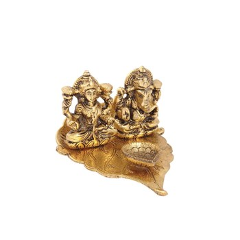 Lakshmi Ganesh diya on pipal leaf with diya antique gold plated