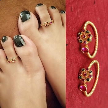 Gold Plated Unique Multicolour Flower Toe Rings