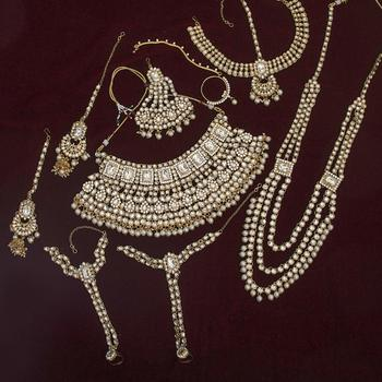 White emerald  necklace-sets
