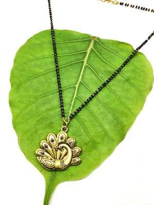 Women Mangalsutra Gold Peacock Pendant Black Beads Single Line Layer Short Mangalsutra Designs Latest Chain