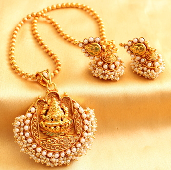 Beautiful Antique Pearl Lakshmi Necklace Set