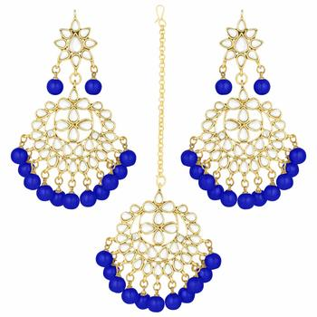 Traditional Gold Plated Pearl And Blue Kundan Maang Tikka With Earring Set For Women