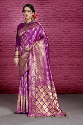 Magenta woven tanchhoi saree with blouse