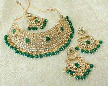 Lalso Gorgeous Green Bridal Kundan Choker Necklace Earring Maangtikka Jewelry Set - LKCN02_GR